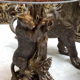 Скульптура стол леопард
